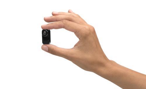 f1025_pinhole_sensor_hand_1404_main_low